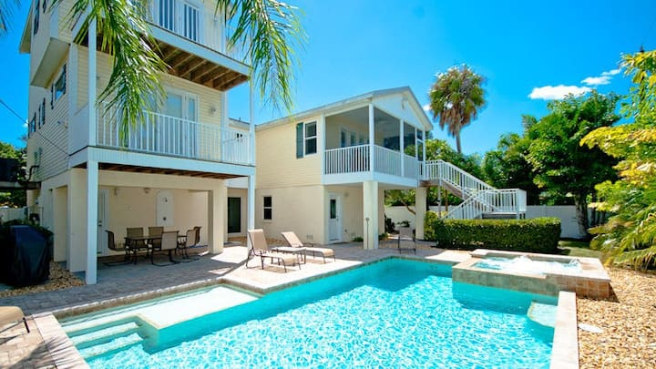 Salty Dogs, Private House on Anna Maria Island.