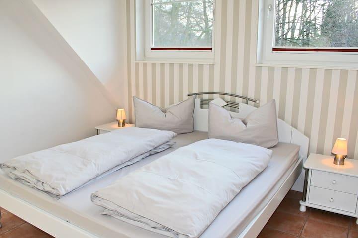 Schlafzimmer 3 Bett 1,80X2,00