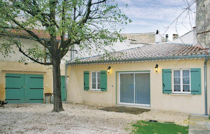 Holiday cottage with 2 bedrooms on 120m² in Suze La Rousse