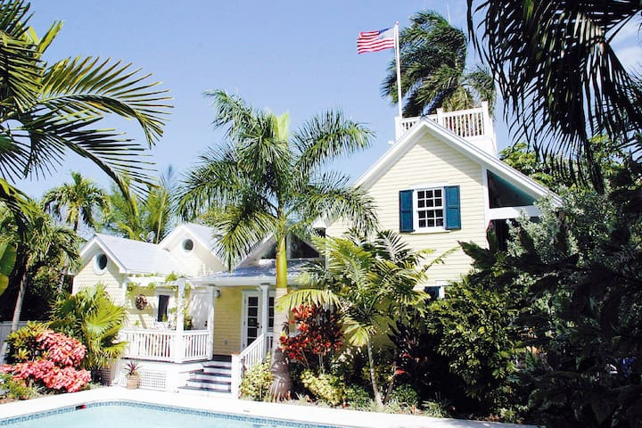 Old Town's Most Luxurious Compound  - 키웨스트(Key West)