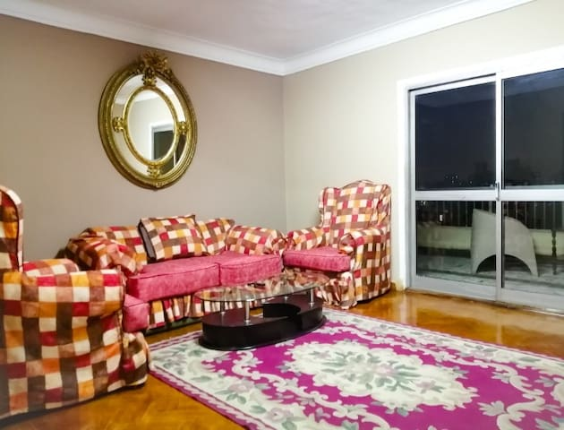 Fully furnished, centrally located apartment Cairo