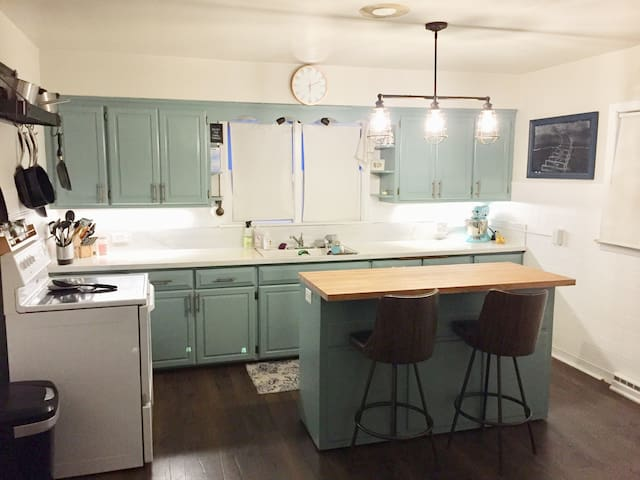 Peaceful home in beauitful Bayview! Sleeps 6+