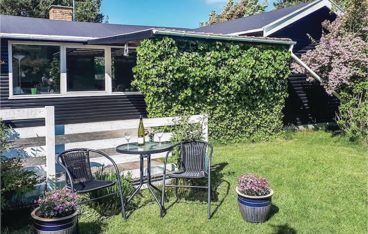 Holiday cottage with 3 bedrooms on 62m² in Vejby