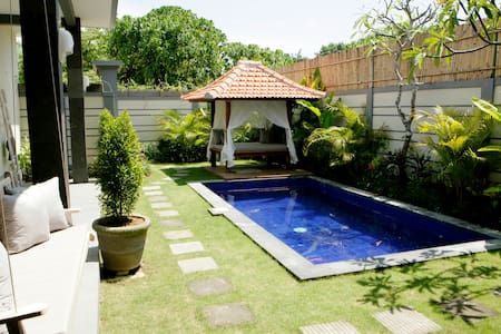 Villa Cecilia, just 200m to beach! - North Kuta