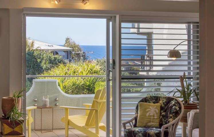 Cozy Bright Beach Home in Sunshine - Sunshine Beach - Townhouse