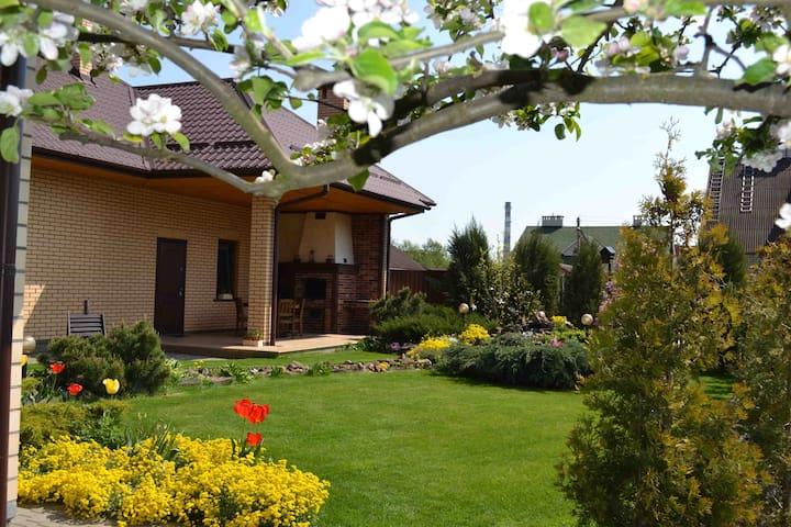 Дом посуточно - Brest - House