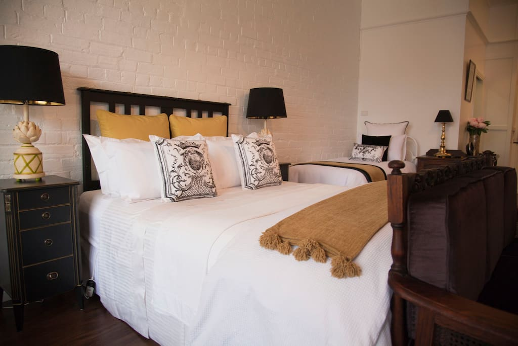 Chiltern Cottage and Indigo Suite to Day Bed