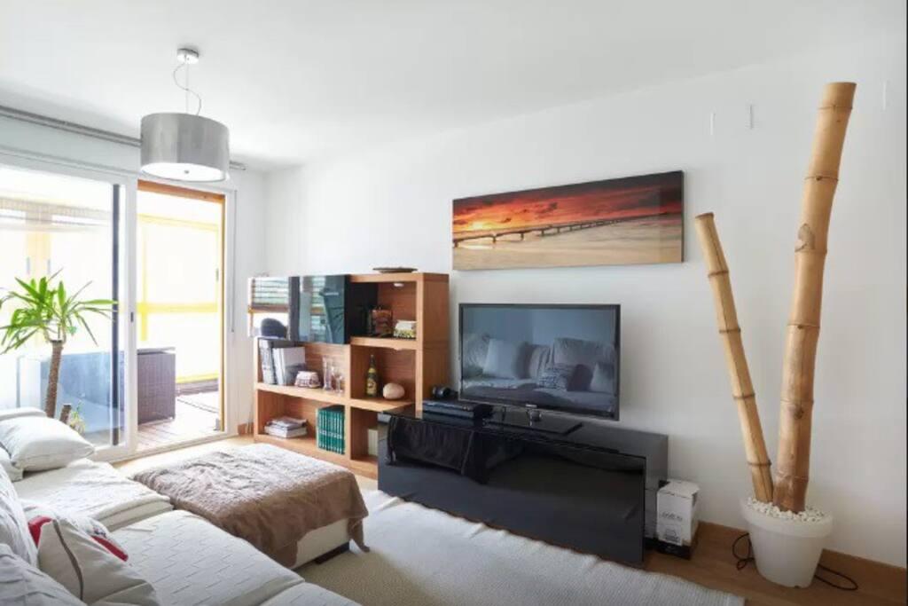 Suite con ba o wifi digital plus apartamentos en for Piscinas mutilva