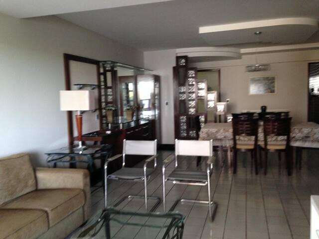 Apartamento 4/4 no Tirol - excelente localização