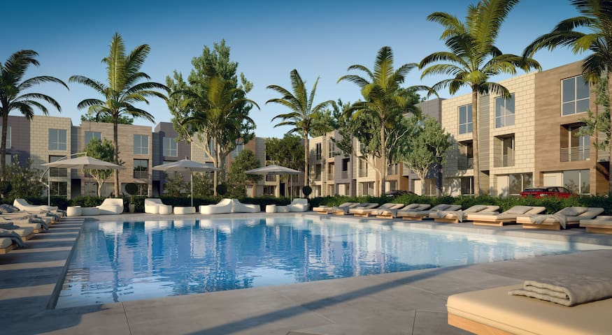 BEST IN AVENTURA 2 BEDROOMS PLUS DEN **BRAND NEW**