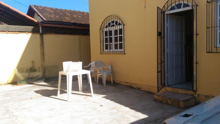 Quarto em casa domiciliar - Vila Velha - Casa