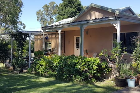 Wonderful family home on Sydney's Northern Beaches - Allambie Heights - 獨棟