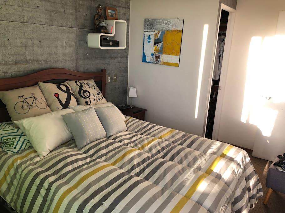 Dormitorio principal, double bed.