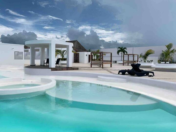 Beautiful 3 BR House, nearby the beach of Cozumel.