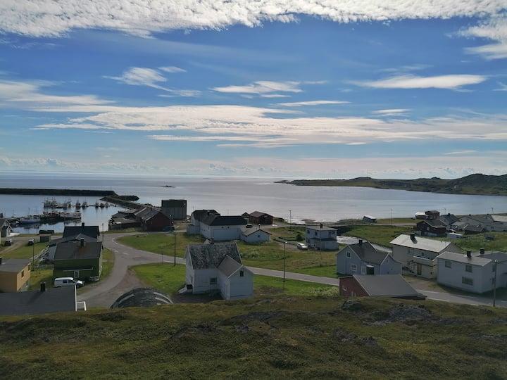 Feriebolig med havutsikt over Varangerfjorden