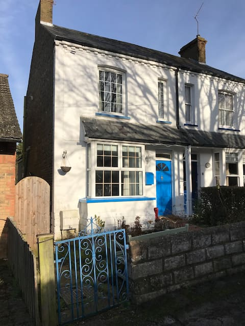 Renovated 3 bed house, private road Hertford