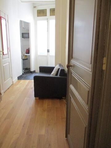 Studio chic Paris / rue de la Pompe 16e