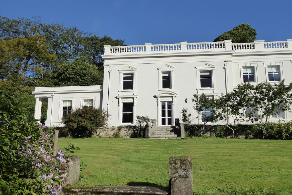 Stunning south facing facade overlooking beautiful gardens
