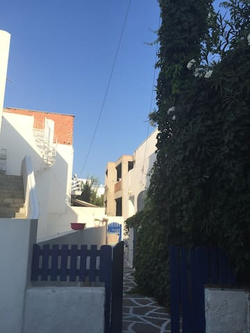 Studio apartment with two beds. - Paros - Apartment