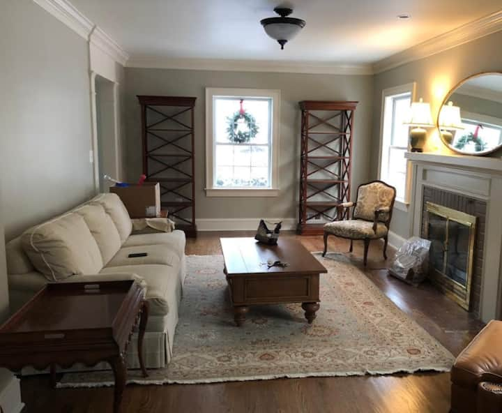 Fully furnished home in Falls Church