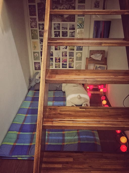 閣樓房間/Attic room