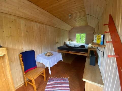 Kleine feine Bauwagen Unterkunft im Grünen