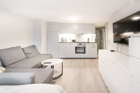 Modern studio apartment - Quiet but central area.