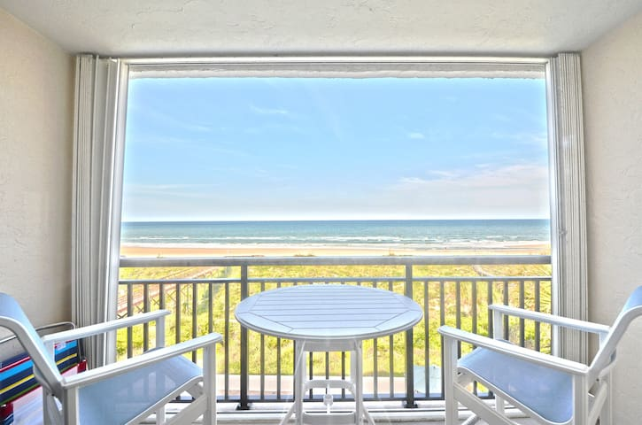 Oceanfront Top Floor Corner Unit - Ocean/Pool View