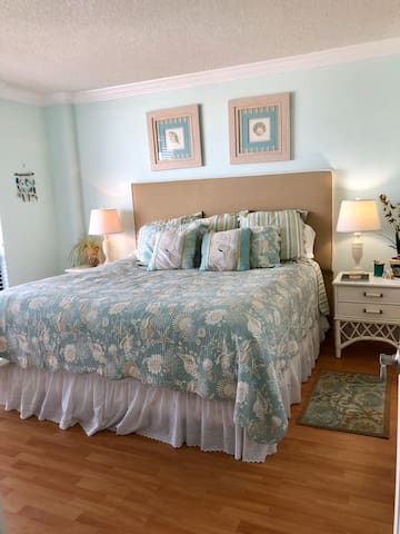 Large comfortable king bed room