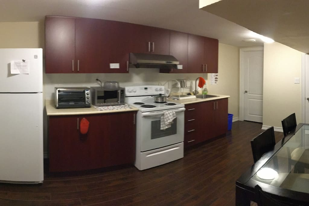 This is the kitchen area for you iron chef :)