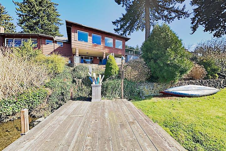 Hidden Gem: 1-Acre Lakefront Home w/ Hot Tub, Dock