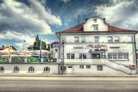 Doppelzimmer pro Zimmer 52.-€ - Rechberghausen - Talo