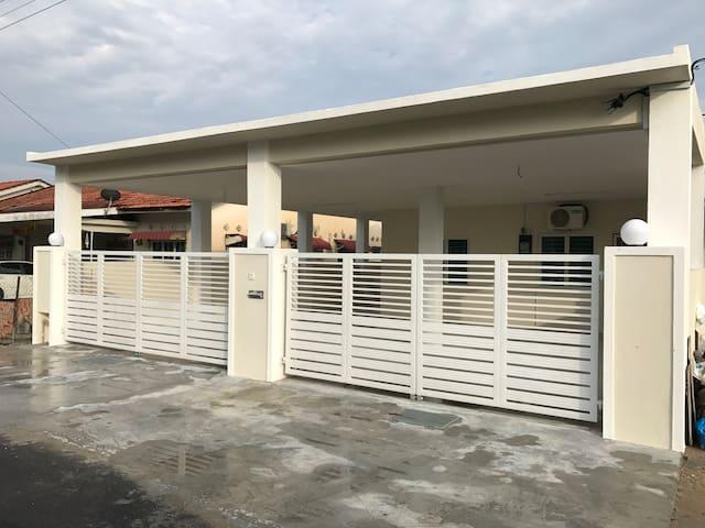 Orange Homestay, Eastern Garden, Teluk Intan Perak