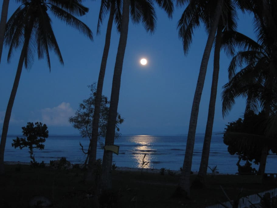 Moonlight in Suki Beach Resort. Ideal for Honeymooners - for that ultimate privacy and seclusion.