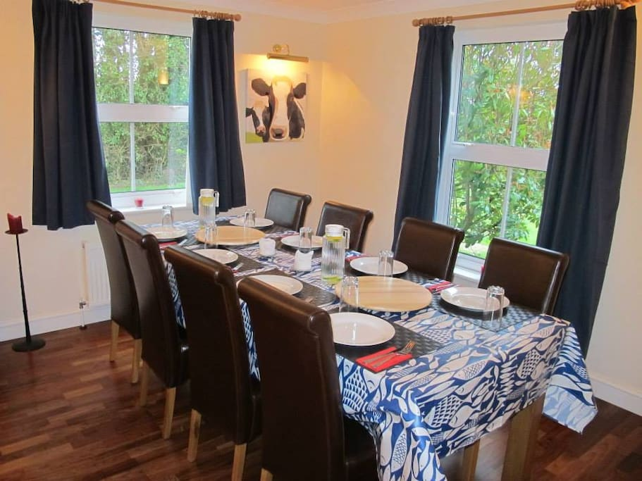 The Dining Room (Breakfast)