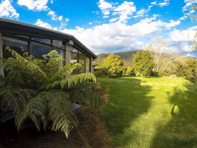 Hilltop Haven - Healesville