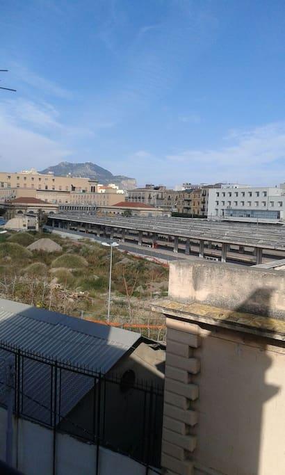 Vista stazione dal balcone