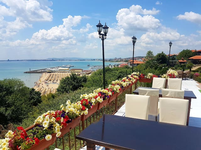 ⛱  Sea Views Great for Family Holidays ⛱