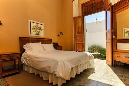 Casa Lola y Juan, Estudio - Haría - Bed & Breakfast
