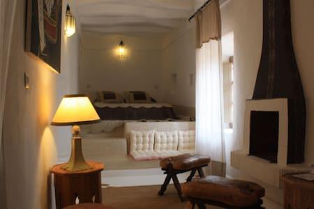 """chambre de """" marie"""" riad el koudia - El Koudia - Bed & Breakfast"""