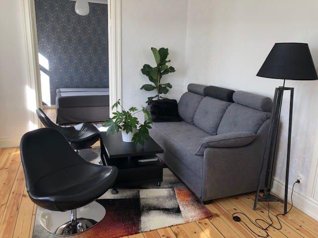 Nyrenoverad 2:a i Stocksund i vackra villakvarter