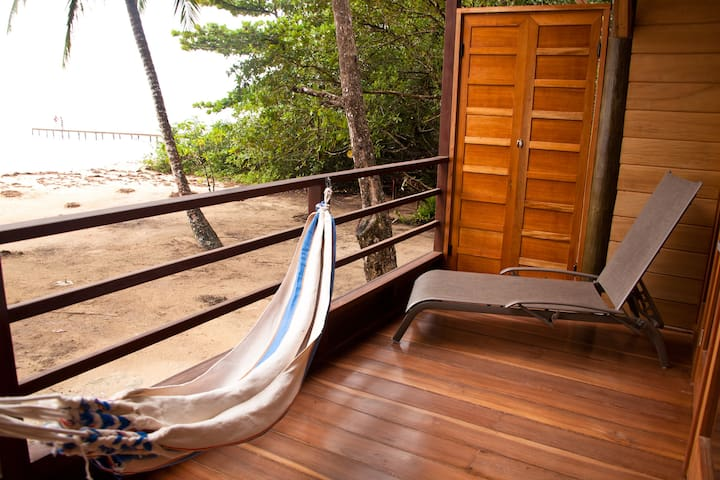 Beachfront Villa w/One-bedroom Loft & WIFI (#2)