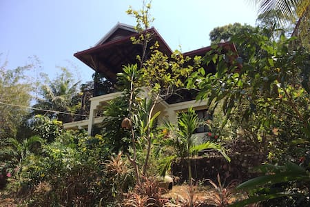 Villa Carambole - jungle setting with sea view - Krong Kaeb