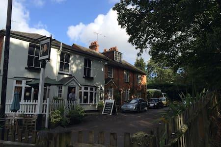 Pretty Cottage - Englefield Green - Haus