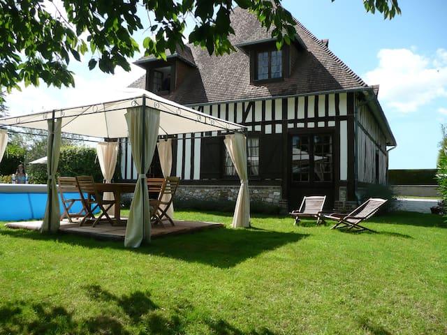 Gîte Dans Belle Demeure Normande - Équemauville - Hus