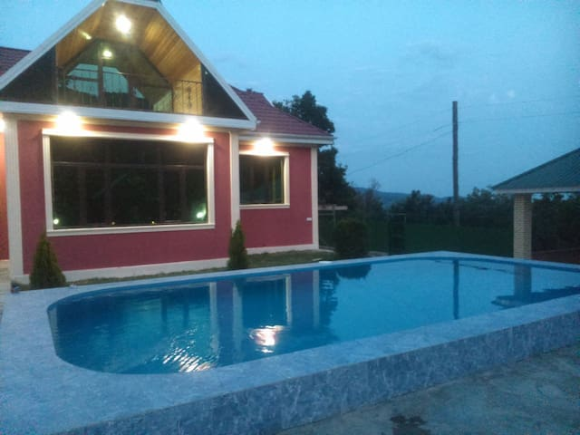 Sheki Bash Kungut village House