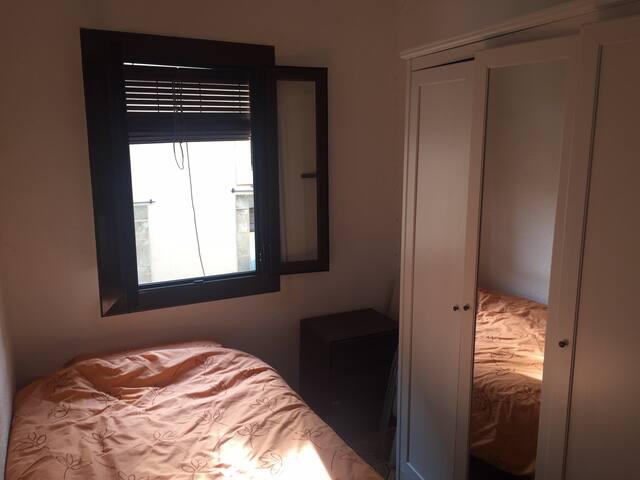 Habitación en el centro de Barcelona, individual