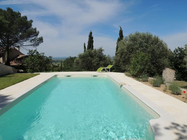 Un écrin de verdure en Provence - Séguret - House