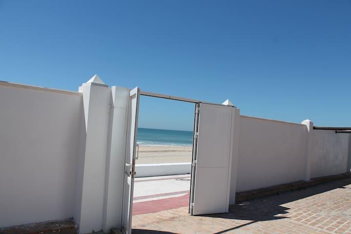 Apartamento en 1ªlinea de Playa - Matalascañas - Leilighet
