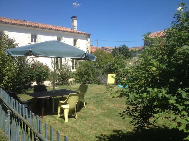 Gite le Querreu - Gourvillette - บ้าน